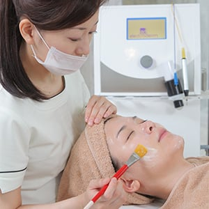 Non-Needle Meso Therapy for FACE – Eri Clinic Omotesando イメージ